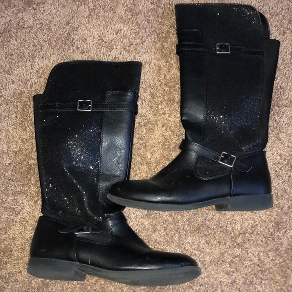 c78b2278c8 American Eagle By Payless Other - Girls boots.
